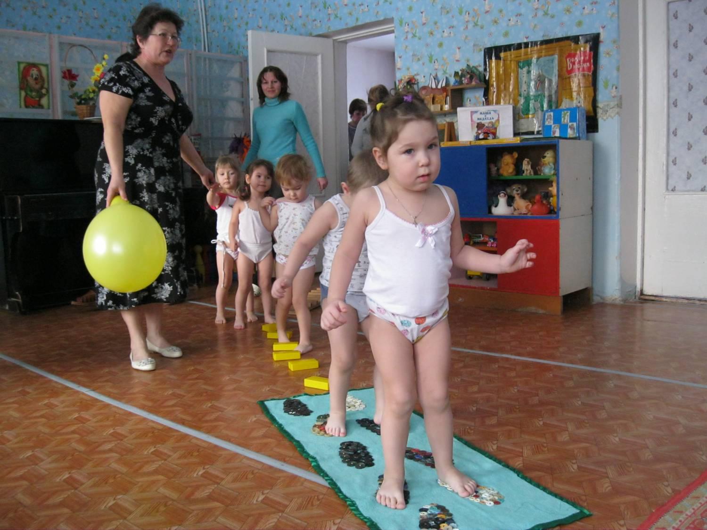 Дети в детском саду фото на зарядке